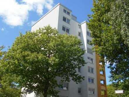 Helle 3 Zimmer mit Balkon und Stellplatz