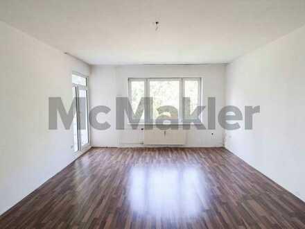 Gut geschnittene 2,5-Zimmer-Wohnung mit Balkon in Berlin-Staaken