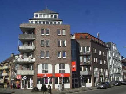 Schöne Komfortwohnung mit Balkon, Vollbad und Einbauküche