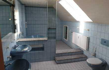 Helle, lichtdurchflutete Dachgeschosswohnung