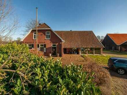 Erfüllen Sie sich den Traum vom Landhaus: 5 ha Land, Wald, Reitstall, Scheune, zusätzliches Bauland