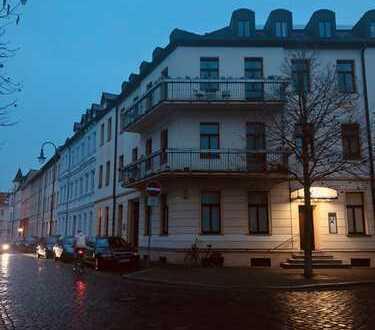 Schöne 2-Zimmer-Wohnung mit Balkon und Einbauküche in Dessau-Roßlau
