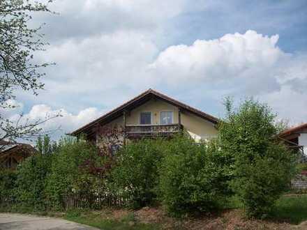 Herrliche, helle, ruhige DG-Wohnung mit Balkon in idyllischer Lage 5 Fahrminuten nördl. von Mühldorf