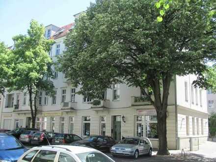 Hochwertige 3 Zimmer Balkonwohnung am Rathhaus Lichtenberg,