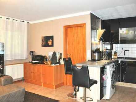 Helle 2-Zimmer-Wohnung voll möbliert mit Super-Küche und Wasserbett am Himmelberg