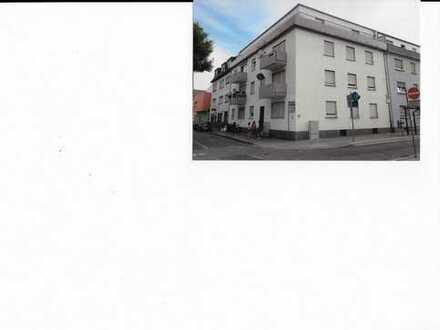 Gepflegte 3-Zimmer-Wohnung im 3.OG mit großen Balkon in Frankenthal Zentrum