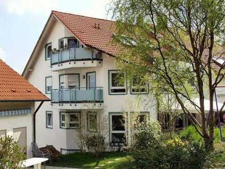 Provisionsfrei: Sonnige Dachgeschosswohnung in ländlich idyllischer Umgebung