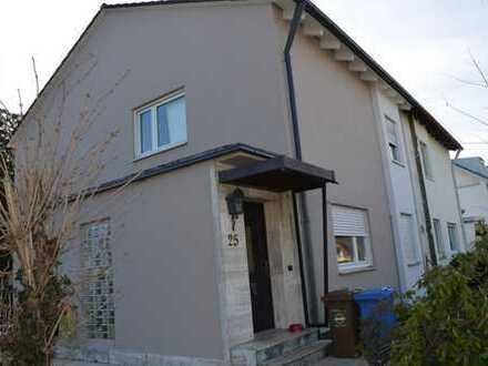 Schöne und gepflegte 5-Zimmer-Doppelhaushälfte in Aubing, München