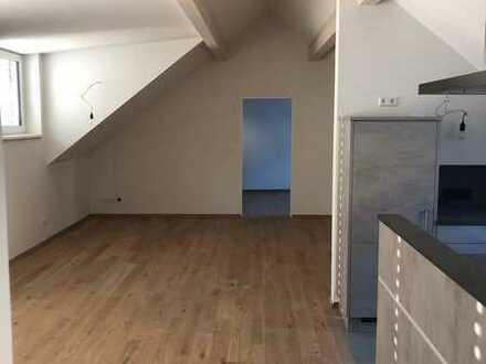 Großzügige helle zwei Zimmer Wohnung im Zentrum von Markdorf