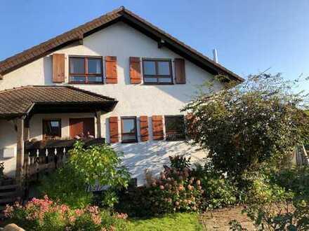 Feldrandlage: Schönes, geräumiges Haus mit fünf Zimmern in Rhein-Neckar-Kreis, Spechbach
