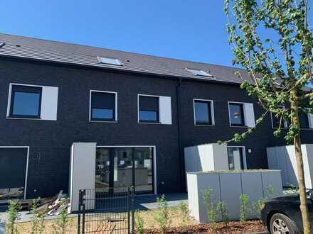 Erstbezug attraktives neues Reihenhaus mit 5 Zimmern und Garten im Pioneer Park, Hanau