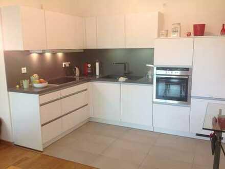 Teilmöblierte 2 Zimmer Wohnung mit Balkon in Müngersdorf