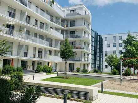 Schöne 100qm 4-Zimmer-Wohnung mit Balkon & EBK in München Schwabing-Freimann/ Familiengeeignet