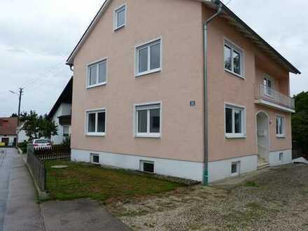 Renoviertes Einfamilienhaus mit Hoffläche und Garage südlich von Ingolstadt