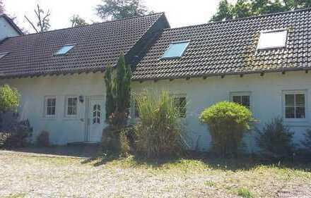 Schönes Haus in Köln Hahnwald, ideal für 2 Generationen, sieben Räume, großer Garten mit Teich