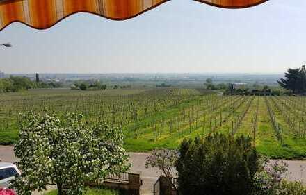Renovierungsbedürftiges Weingut mit Ausbaureserven – unverbaubarer Fernblick auf die Rheinebene