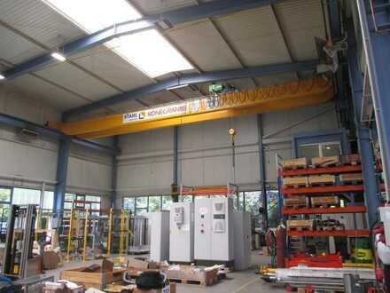 Großzügige Produktionshalle - Weitere Anmietung von Hallen und Büroflächen möglich