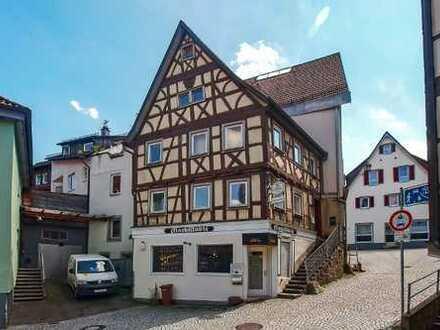 Denkmalgeschütztes Haus mit Gaststätte und Zwei-Zimmer-Wohnung in Horb am Neckar