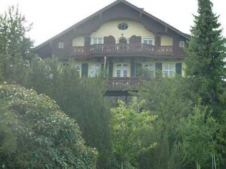 Traumhafte Dachgeschosswohnung mit See und Bergblick