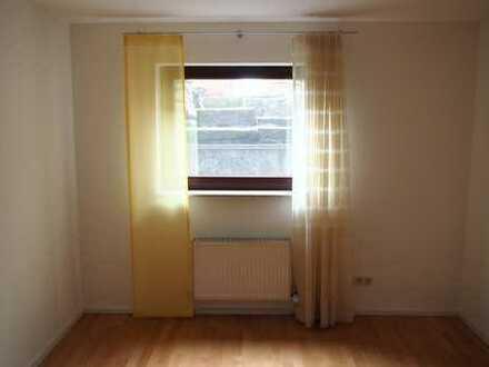 Moderne 1,5 Zimmer Souterrainwohnung ab 01.04