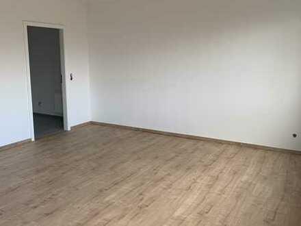Neu sanierte 2-ZKB-Wohnung mit Balkon und TG-Stellplatz in Wald-/Feldnähe in Mainz-Finthen
