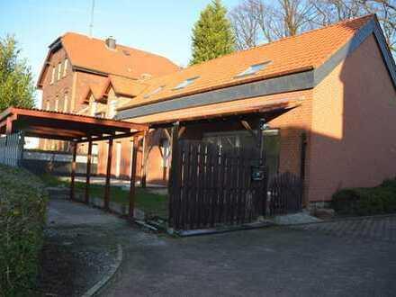Erstbezug nach Sanierung: 7-Zimmer-Wohnung/Reihenhaus mit Terrasse und Garten