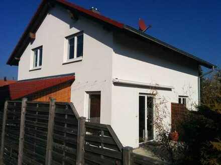 Kompaktes, geräumiges Haus verkehrsgünstig in Tübingen (Kreis), Kiebingen