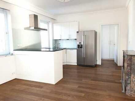 Penthousewohnung mit Einbauküche und Kamin