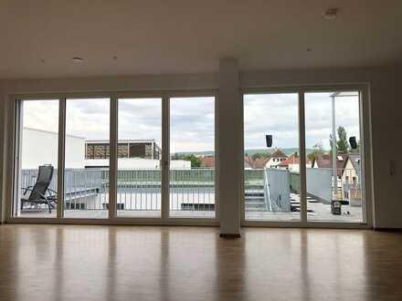 Erstbezug: exklusive 4,5-Zimmer-DG-Wohnung mit EBK und Balkon in Herrenberg