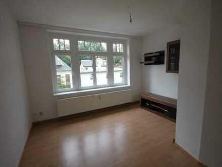 2-Raum-Wohnung in einer Villa in Geyer!!
