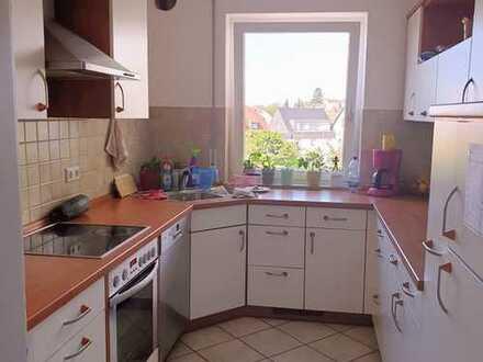 Sonnige, modernisierte 4-Zimmer-Wohnung mit tollem Ausblick in zentraler Lage in Weingarten