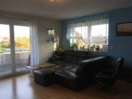 Helle 2-Zimmer-Wohnung mit Balkon und Einbauküche in Kleinostheim