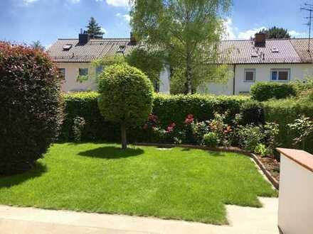 *Komplett saniert*: helles REH mit wunderschönem Südgarten in super Lage, EBK & Solarthermie