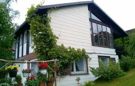 Zweifamilienhaus mit Ferienappartement und phantastischer Fernsicht über den Harz!