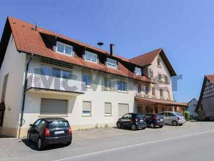 Ländlich, idyllisch und gut angebunden: 3-Zi.-Wohnung mit Balkon und separatem Büroraum