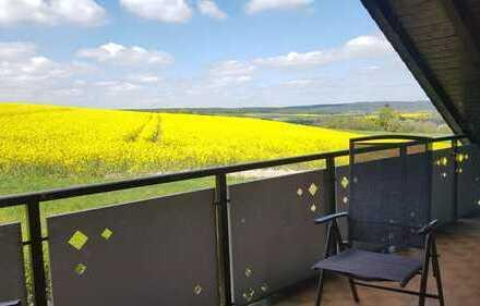 Erschwingliche und modernisierte 5-Zimmer-Dachgeschosswohnung mit EBK und Balkon in Fulda (Kreis)