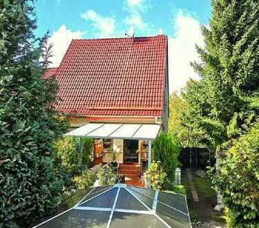 Gepflegte DHH auf tollem Grundstück mit Keller,Pool, Sauna und Kamin in Biesenthal