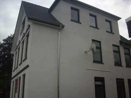 von Privat: voll saniertes Wohn- und Geschäftshaus mit 3 Garagen in Citylage