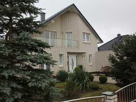 Schönes, gepflegtes Einfamilienhaus mit Einliegerwohnung in Wolfsburg, Kästorf