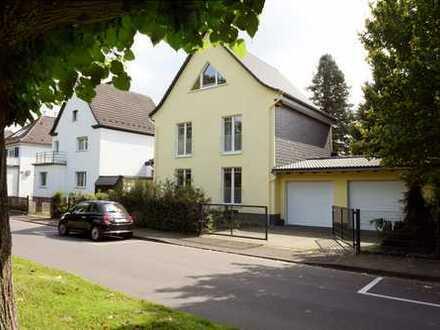 Erlebnistraum! Idyllische Erdgeschosswohnung in 1A Traumlage in Leverkusen-Opladen