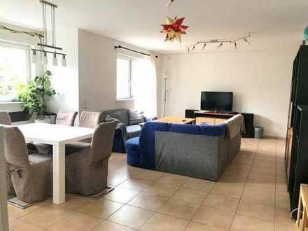 Schöne, helle 2-Zimmer-Souterrainwohnung mit kleiner Terrasse