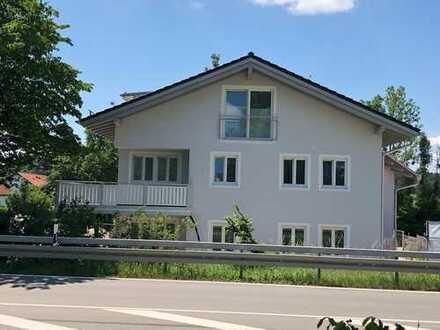 Schöne, geräumige vier Zimmer Etagen-Wohnung in Tutzing OT Traubing Provisionsfrei Bezug 1.3.2019