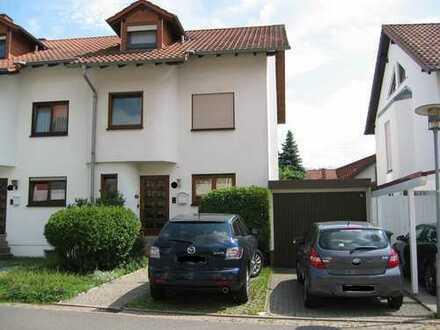 Gepflegtes 5,5-Zimmer-Reihenendhaus mit EBK in Rauenberg