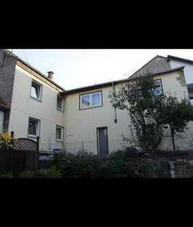 FC Immoha++ Haus mit 8 Zimmern, Küche, Bad, Garage und kleiner Garten zu vermieten!!