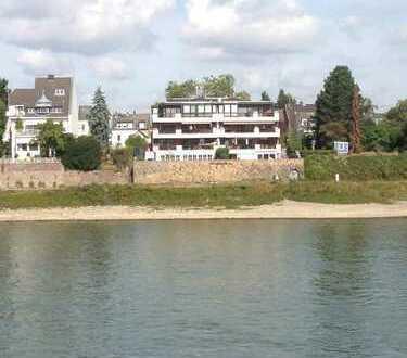 Rhein-Panoramablickwohnung mit 30 m² Sonnterrasse und 2 Tiefgaragenstellplätzen in Köln-Sürth