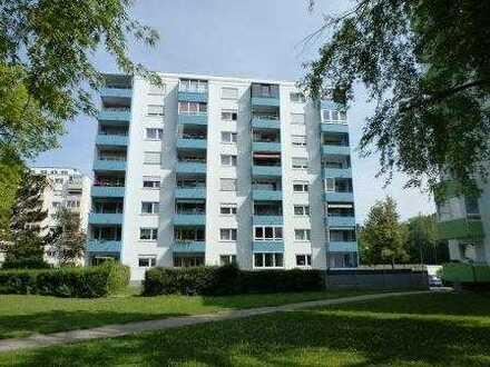 Helle, sonnige 4-Zimmer-Wohnung, 92,9 qm Wfl., Bad mit Fenster, 2 Balkone, Aufzug