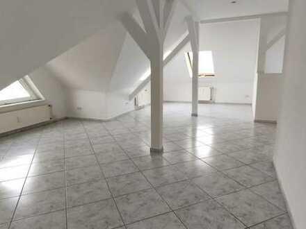 Schöne 3 Zimmer-Wohnung mit Stellplatz, Ruhige Lage