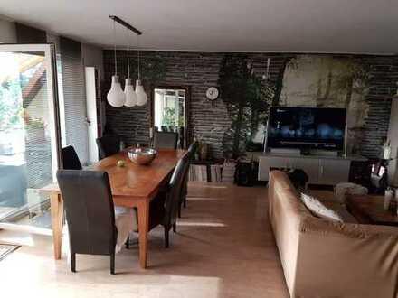 5251*Moderne und ansprechende ETW*3ZKB*Balkon*Tiefgarage*Fernblick*Ruhige Wohnlage in Saarbrücken-OT