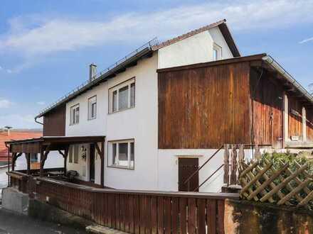 Gelegenheit: Einfamilienhaus mit Garage und Nebengebäuden!