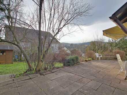 Haus mit 2-3 Wohneinheiten, Fernblick und in Sackgasse gelegen